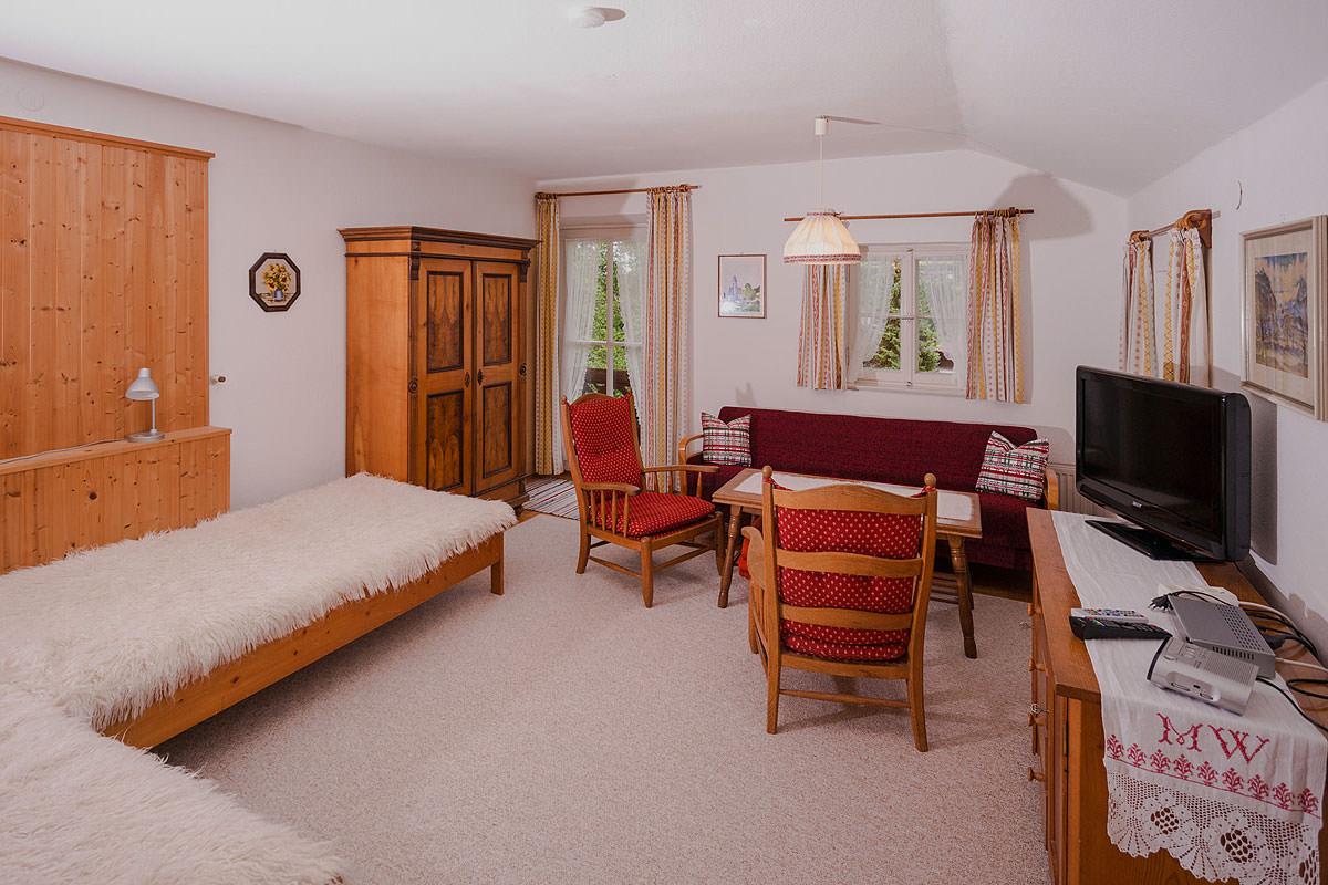 Wohnraum in der Ferienwohnung Heuberg